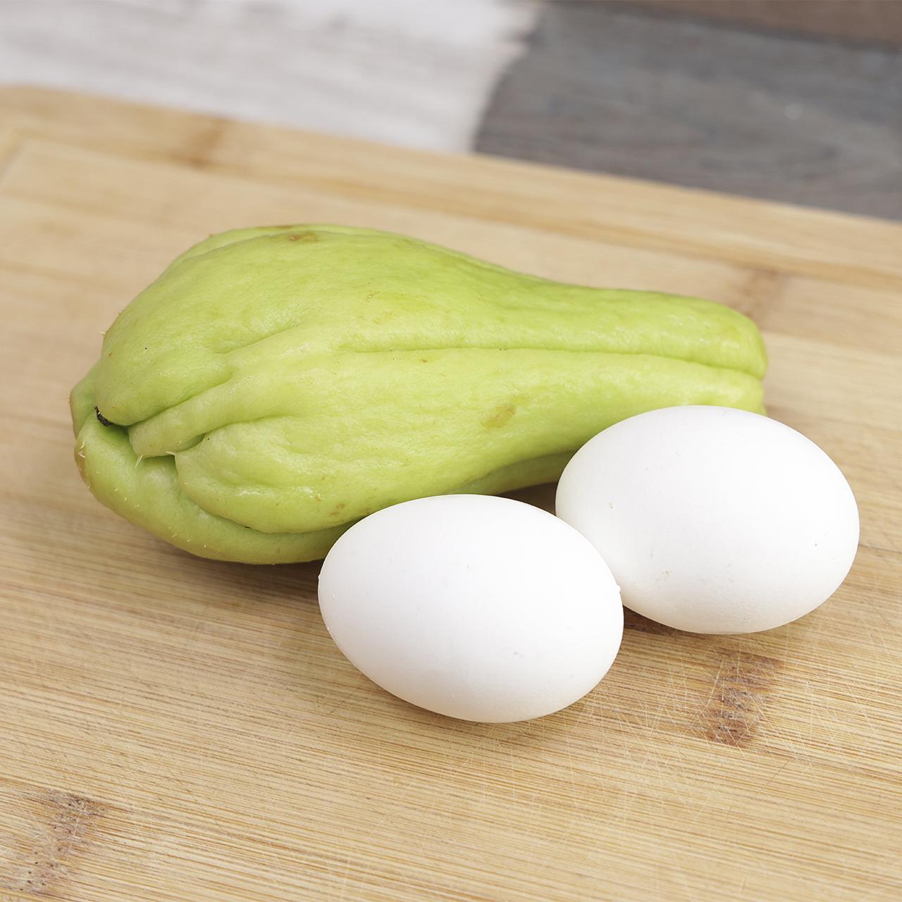 Com um chuchu e 2 ovos você prepara um jantar delicioso, econômico e saudável!
